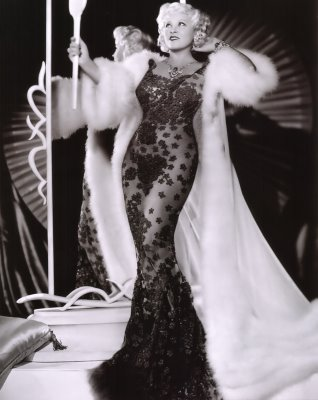 mae west - venusian body type as Defined in the Michael Teaching